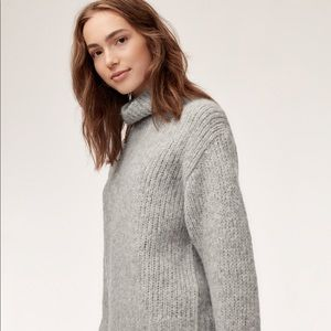 Wilfred Gray Turtleneck Sweater